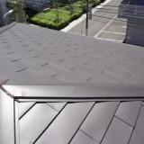軽量で耐震性に優れた屋根に葺き替え